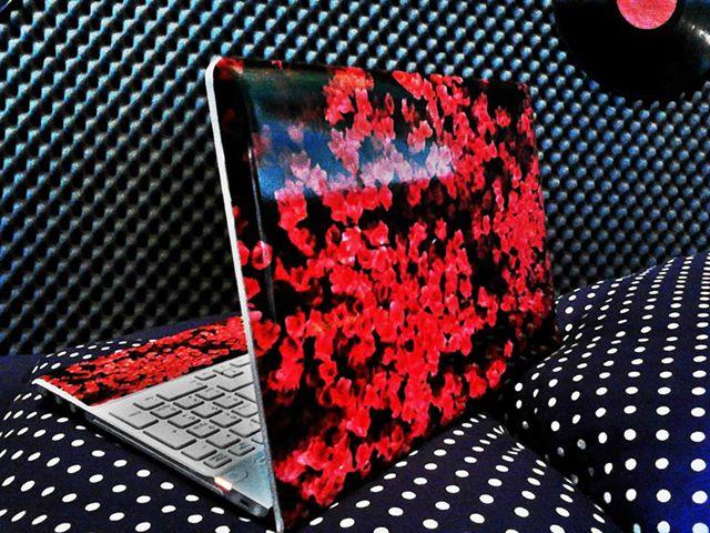 Naklejki na laptopa z własnego zdjęcia